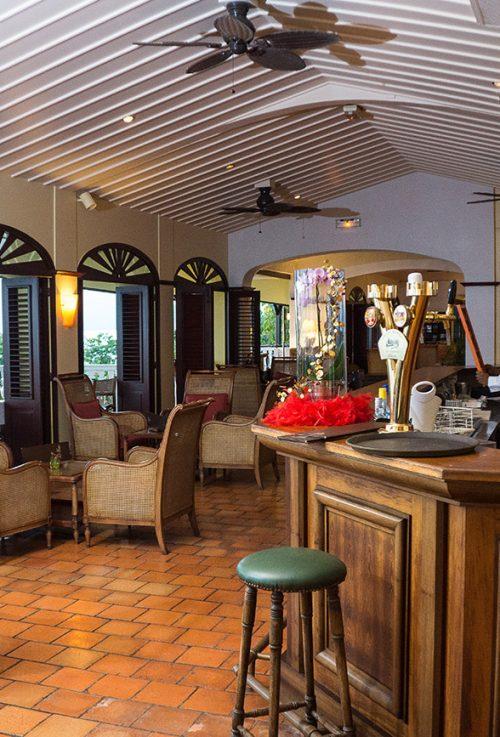 Auberge de la Vieille Tour Hotel 4 étoiles Le Gosier en Guadeloupe Accueil de l'Hôtel